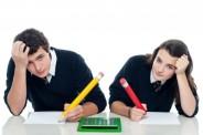 Nauka przy biurku (freedigitalphotos.net)
