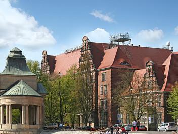 budynek akademii morskiej w Szczecinie