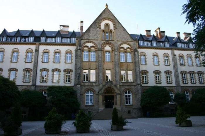 Uniwersytet Luksemburski (Fot.M. Krimgen,wikipedia.org)