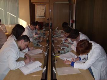 Zajecia fizyka medyczna biologia (fot.freeimages.com)
