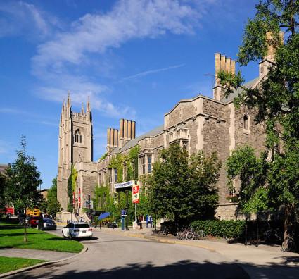 Uniwersytet Toronto (Fot.Jphillips23,wikipedia.org)