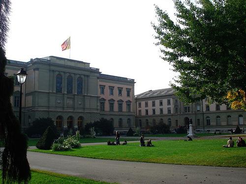 Uniwersytet genewski (fot.wikipedia.org)