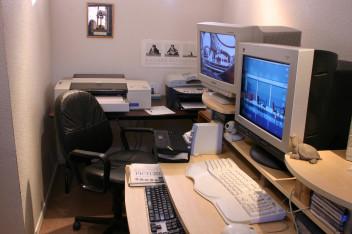 Bezpieczeństwo narodowe-biuro (fot.morguefile.com)