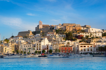 Ibiza - Eivissa (fot.www.fostertravel.pl)