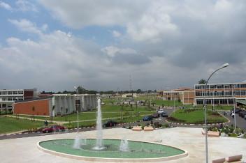 Uniwersytet Cocody (fot.Serein, wikipedia.org)