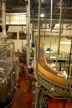 Inżynier kontroli jakości może pracować na przykład na hali produkcyjnej (fot.freeimages.com)