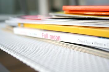 czasopisma i książki (fot.freeimages.com)
