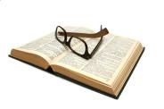książka i okulary(fot.freeimages.com)