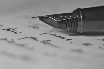 pisanie wiersza (fot. freeimages.com)