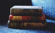 Antyczne książki (fot: Pexels)