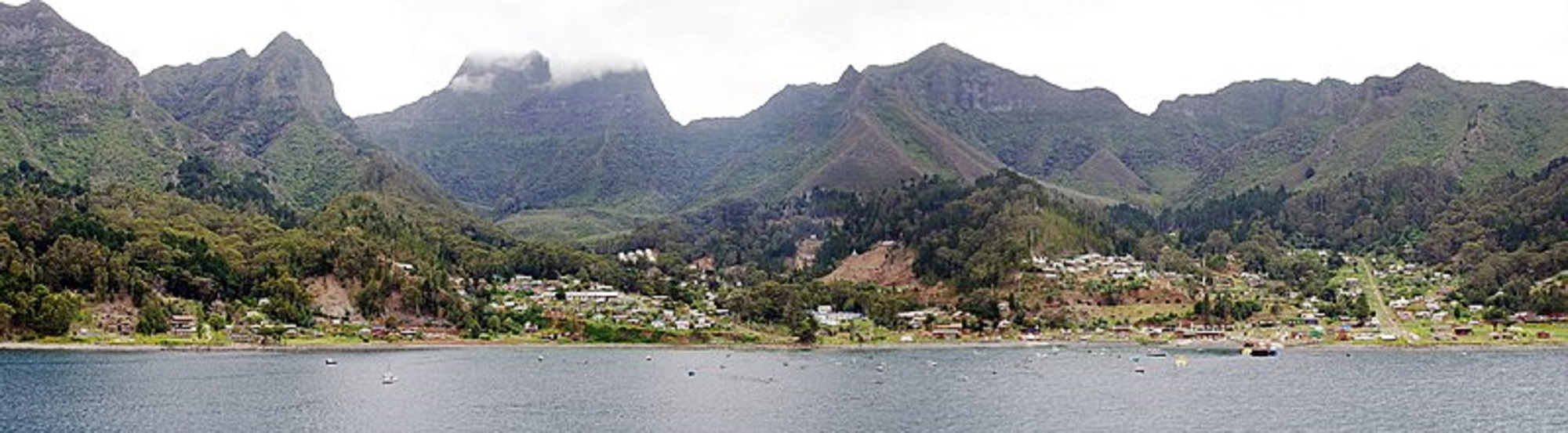 Wyspa bohatera powieści podróżniczo-przygodowej Robinsona Cruzoe (fot. Wikipedia)