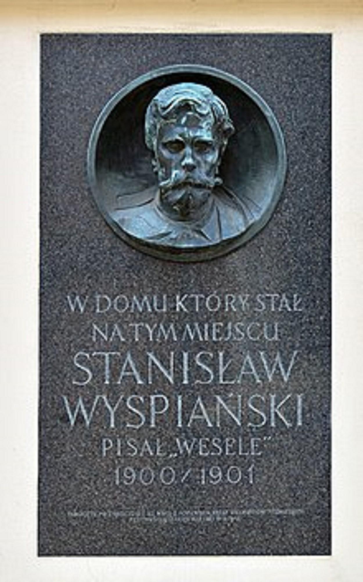 Tablica w Krakowie na Starym Mieście, upamiętniająca Stanisława Wyspiańskiego i jego symboliczny dramat Wesele (fot. Wikipedia)