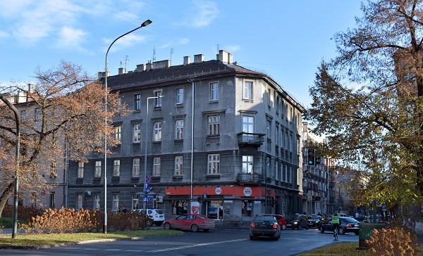 Kamienica przy ulicy Krowoderskiej 79, w której na II piętrze znajdowało się mieszkanie Stanisława Wyspiańskiego (fot. Wikipedia)