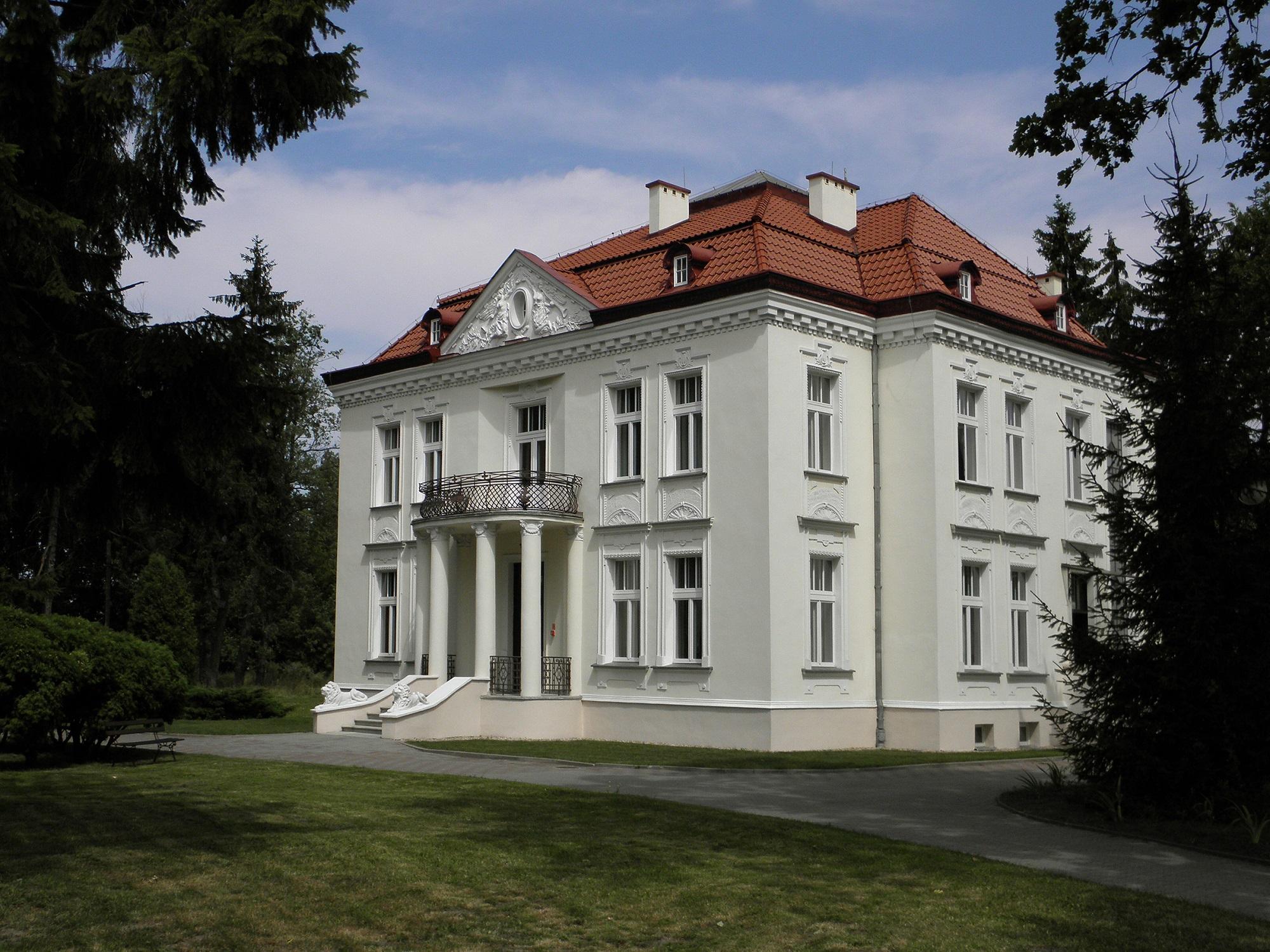 Muzeum Witolda Gombrowicza we Wsoli (fot. Wikipedia)