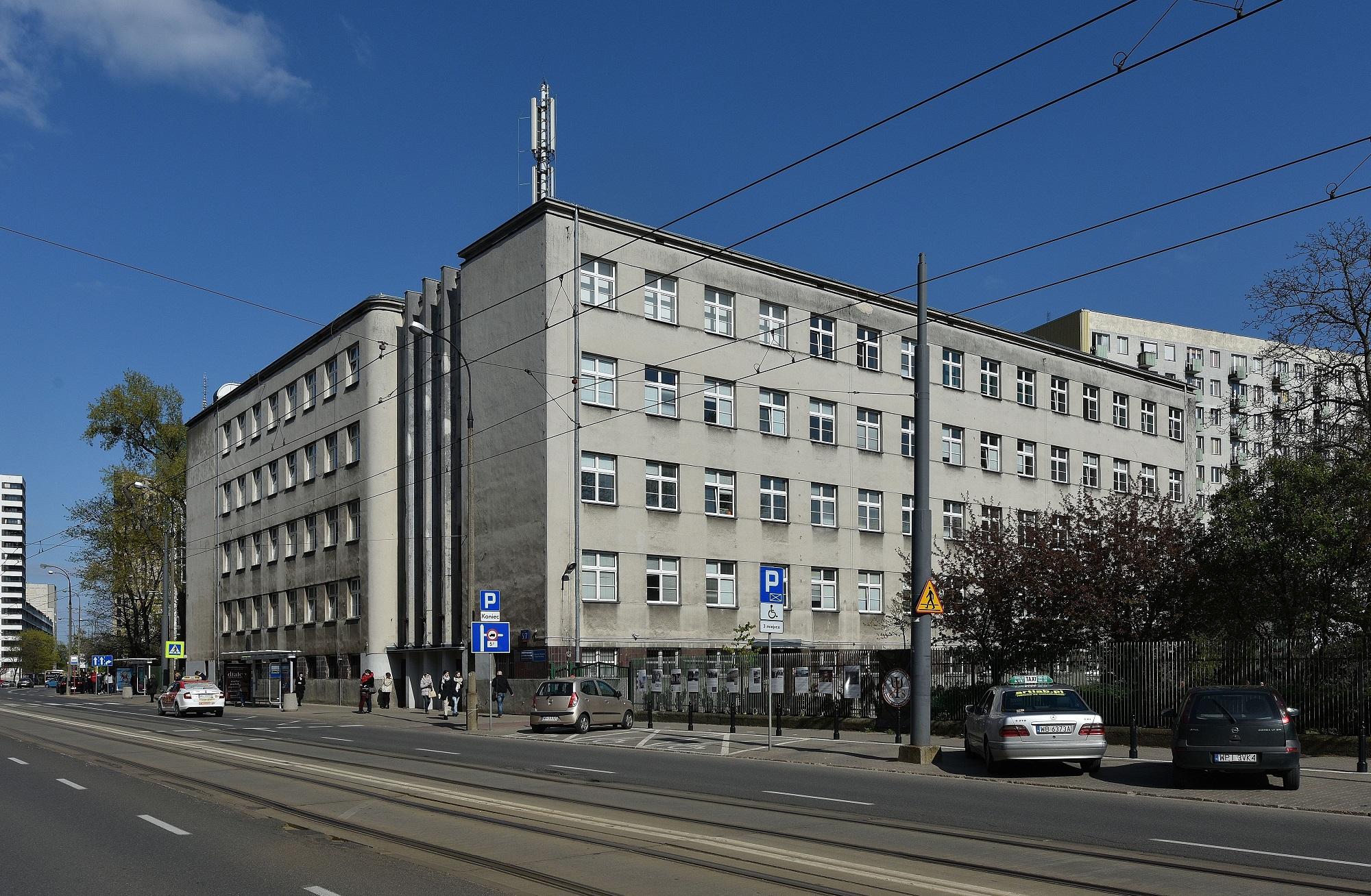 Wydział Psychologii Uniwersytetu Warszawskiego przy ulicy Stawki 5/7 (fot. Wikipedia)